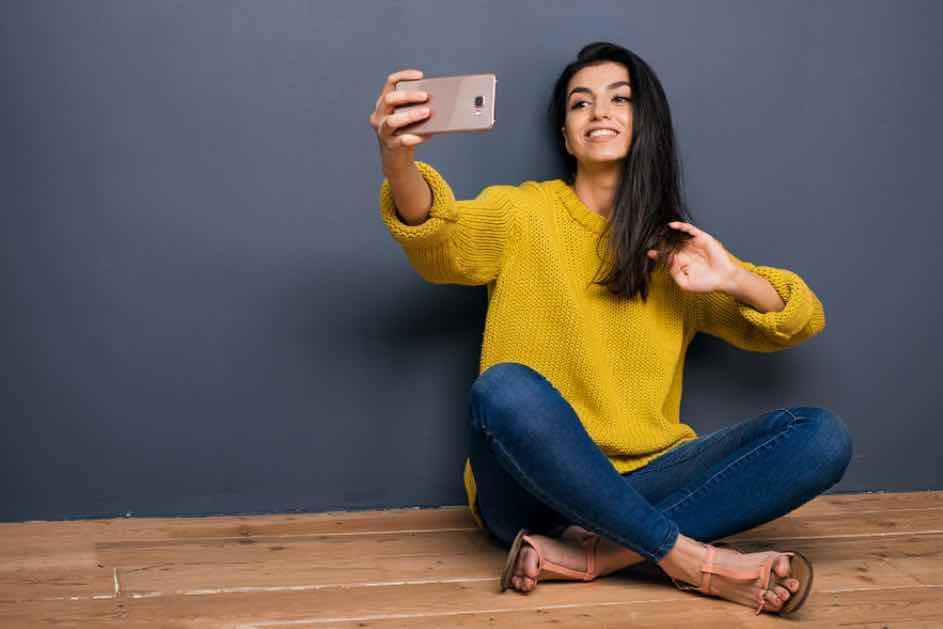 Passfoto als Selfie? Reicht das für den Lernfahrausweis und den Führerschein? Hier findest du die wichtigsten Tipps um den Lernfahrausweis zu beantragen