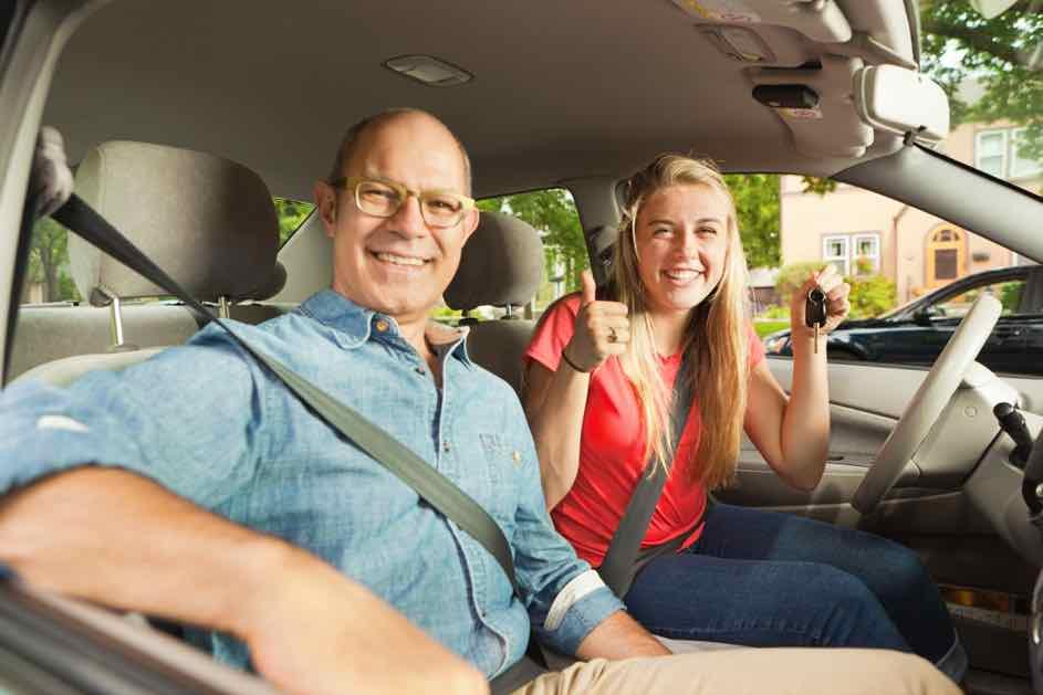 Der beste Schweizer Fahrlehrer - So sehen Fahrstunden beim Fahrlehrer aus