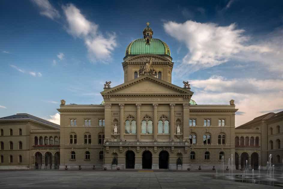 Gesetzesänderungen beim Autofahren betrifft auch den Schweizer Führerschein