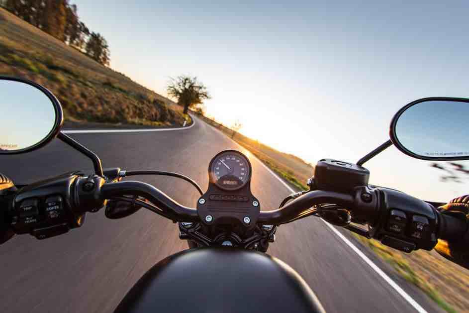 Motorrad - Neue Regeln wie beim Autofahren mit 17 auch bei Motorrädern ab 2021